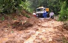 Vụ sạt lở đất ở Nam Trà My: Động viên, giữ học trò Trà Leng ở lại trường nội trú