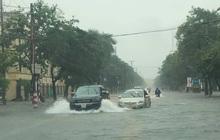 Cập nhật: Mưa lớn gây lụt trong đêm, các địa phương tức tốc thông báo cho học sinh nghỉ học