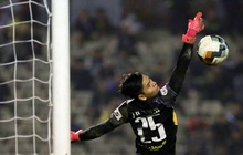 """Bị thần gác đền """"nhập"""", thủ môn dự bị SLNA suýt khiến Nam Định ôm hận"""