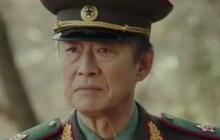 Bố của Hyun Bin hot nhất Crash Landing on You tập cuối vì quá ngầu, chị em nô nức hỏi nhau: Bác có định đẻ thêm con trai không ạ?
