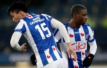 Văn Hậu ngồi ngoài nhìn các đồng đội ở hàng thủ liên tục mắc sai lầm trong trận SC Heerenveen thua đậm