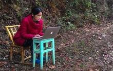 Bị mắc kẹt trên núi vì dịch Covid-19, cô giáo thiết kế lớp học trực tuyến đơn sơ khiến ai nấy đều khâm phục