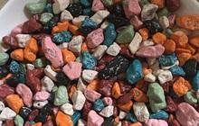 """Món kẹo socola sỏi đá khiến dân mạng tranh cãi vì không rõ là loại cứng hay dẻo mới đúng chuẩn """"huyền thoại"""" tuổi thơ?"""