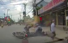 Nhóm cướp vàng dùng bình xịt hơi cay tấn công người đi đường ở Sài Gòn