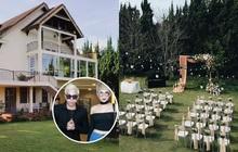 Ngọc Thảo và MLee là những vị khách đầu tiên đến hôn lễ Tóc Tiên và Hoàng Touliver, không gian tiệc cưới cực lãng mạn