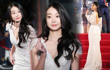 """""""Ngất lịm"""" loạt ảnh """"nữ quái"""" Kim Da Mi đi thảm đỏ Oscar Hàn: Body nóng bỏng, chân dài 1m7 hóa ra bị Park Seo Joon dìm"""