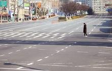 Thành phố Daegu vắng lặng đìu hiu sau khi trở thành tâm dịch lớn nhất Hàn Quốc, Seoul cấm tụ tập đông người để ngăn virus corona lây lan