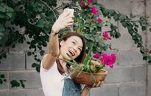 Chị Mỹ Tâm hết xào rau, giờ chuyển sang tương tư nhóm củi nướng ngô, cắm hoa đàn ca giữa biệt thự chẳng cần tình nhân: Vậy cũng vui ha!