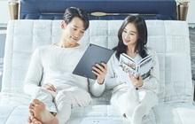 """Ảnh căng đét cảnh """"giường chiếu"""" vợ chồng Kim Tae Hee: Chưa kể đến visual, nhìn ánh mắt Bi Rain dành cho bà xã mà tan chảy"""