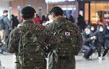 13 quân nhân Hàn Quốc nhiễm virus corona, 7.500 người khác phải cách ly