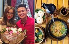 Vào quán ăn đồ Đài Loan đầy rẫy món mà sao Quang Hải và Nhật Lê chỉ ăn có 2 tô cháo thế này?