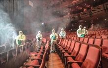 """Dịch Covid-19 gia tăng đáng ngại, hàng loạt nhà hát tại Hàn """"tê liệt"""" đìu hiu không một bóng dáng khán giả"""