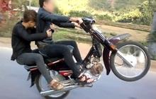 """Nhiều thanh niên không lắp gương chiếu hậu vì sợ """"xấu"""", nhưng mức xử phạt đối với xe máy không gương đã tăng gấp 2 lần"""