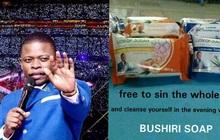 """""""Nhà tiên tri vũ trụ"""" châu Phi bị cáo buộc vì bán xà phòng có thể... rửa sạch mọi loại tội lỗi"""