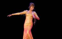 """Huyền thoại Whitney Houston """"hồi sinh"""" đi tour bằng hình chiếu 3D: Công nghệ đột phá hay là lợi dụng danh tiếng?"""
