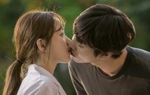 """Nhờ nụ hôn của Lee Sung Kyung và """"trai trẻ"""", Người Thầy Y Đức 2 tập cuối chạm mốc rating kỉ lục"""