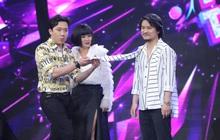 """MC Nguyên Khang bị Trấn Thành """"dập tơi tả"""" vì """"mù màu"""""""