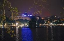 Chùm ảnh những địa điểm nổi tiếng của Hà Nội và Sài Gòn vắng lặng, tắt điện không đợi đến Giờ trái đất: Một năm thật khác lạ!