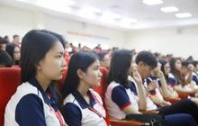 Trường ĐH giảm học phí, giảm lương giáo viên