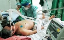 """Chuyên gia: COVID-19 là """"3 cú đấm liên hoàn"""" vào cơ thể, nếu chặn được đòn đánh cuối cùng, bệnh nhân sẽ thoát khỏi cửa tử"""