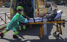 Tây Ban Nha thêm 864 ca tử vong, vượt 100.000 ca nhiễm Covid-19