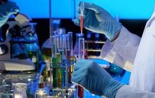 UAE xây phòng thí nghiệm trong 14 ngày để tăng xét nghiệm Covid-19
