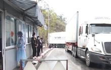 Tồn đọng 2.300 xe hàng nông sản nằm chờ xuất khẩu