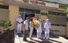 Cả gia đình 6 người của bệnh nhân 34 đã khỏi bệnh, nữ nhân viên xin ở lại bệnh viện chăm sóc con 13 tuổi nhiễm Covid-19