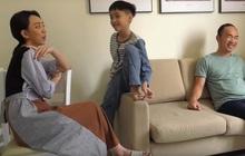 """Thu Trang xúc động khi thấy con trai quyết bảo vệ bức ảnh gia đình khi người lạ tới """"siết"""""""