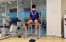Duy Mạnh bắt đầu trị liệu phục hồi sau phẫu thuật chấn thương, trong phòng tập vẫn không quên đeo khẩu trang phòng dịch Covid-19