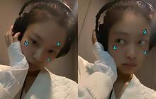 """Jennie (BLACKPINK) đăng 2 tấm ảnh như baby, fan vừa mừng vừa xéo xắt: """"Giờ này mới trong phòng thu thì mùa hè mới comeback à?"""""""