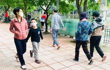 """Người dân Hà Nội vẫn đổ ra hồ tập thể thao trong lúc """"cách ly toàn xã hội"""""""