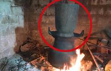 Một dụng cụ làm bếp ở Việt Nam khiến dân tình xôn xao vì trông quá lạ mắt, khi biết công dụng thì ai nấy đều bất ngờ