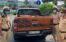 Xe ô tô chở 10.000 khẩu trang y tế không rõ nguồn gốc xuất xứ ở sân bay Tân Sơn Nhất