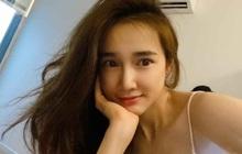 """Nhã Phương than thở mất ngủ và tung ảnh đầu tóc bơ phờ, ai dè nhan sắc đời thường mẹ một con lại """"hớp hồn"""" netizen"""