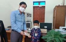Học sinh lớp 2 'đập lợn' lấy tiền ủng hộ phòng chống COVID-19