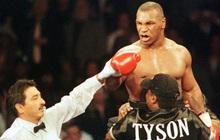 """Sức mạnh kinh hoàng ở tuổi 34 của huyền thoại Mike Tyson, """"cơn ác mộng"""" khiến đối thủ nằng nặc xin thua bất chấp cơn thịnh nộ của khán giả"""