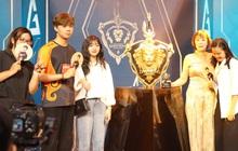 Chia buồn với fan nữ Liên quân, ADC vừa vô địch đã công khai luôn người yêu hot tiktoker trên sân khấu