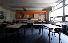 Thủ tướng Anh quyết mở lại trường học từ đầu tháng 6