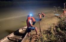 Trắng đêm nỗ lực tìm kiếm nam sinh 15 tuổi bị đuối nước tại sông Yên