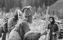 Suốt 40 năm, một gia đình người Nga sống cô lập trong vùng núi hoang dã tận cùng của Trái đất và cắt đứt mọi liên hệ với nền văn minh nhân loại