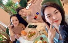 Độ trẻ kinh ngạc của BTV Hoài Anh khi ngồi cạnh couple Người ấy là ai: Hơn Alan Phạm đến 17 tuổi chứ có ít đâu!