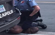 Phân tích sau cái chết của George Floyd: Tư thế chẹt gối vào cổ là thủ thuật chí mạng, cảnh sát cũng không được phép dùng