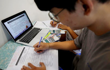 Thầy giáo Toán bị tố giúp học sinh gian lận: Sở GD&ĐT Hà Nội nói gì?