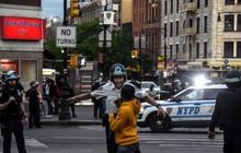 """Toàn cảnh nước Mỹ bước vào đêm thứ 8 không ngủ: Làn sóng biểu tình tiếp tục đòi công bằng cho George Floyd và kêu gọi """"người da đen đáng được sống"""""""