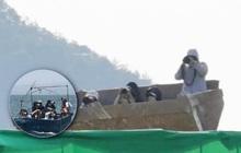 """6 hành động quấy rối thần tượng """"kì dị"""" ở hậu trường: Mướn thuyền """"lạc trôi"""" giữa biển, chui vào cả miệng máy xúc?"""