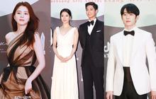 """Cập nhật siêu thảm đỏ Baeksang 2020: Tiểu tam """"Thế giới hôn nhân"""" thành tâm điểm, Park Bo Gum có thái độ lạ với Suzy bên dàn sao khủng"""