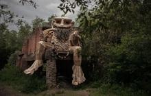 Giữa lúc khu du lịch ma quỷ ở Đà Lạt đang gây sốc vì phản cảm, cư dân mạng bất ngờ tìm được một công viên cùng concept trên thế giới nhưng lại được khen hết lời