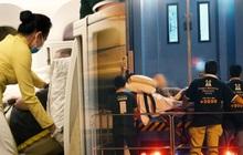 Clip, ảnh: Cận cảnh quá trình di chuyển bệnh nhân 91 trên chuyến bay từ Tân Sơn Nhất đến Nội Bài