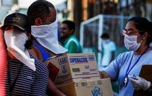 Brazil tiệm cận mốc 2 triệu ca Covid-19, Nam Phi tái áp đặt giới nghiêm